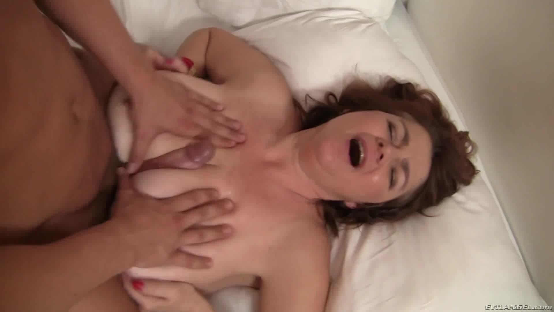 Abuelas Argentinas Porno Duro esta mujer madura es argentina y quiere que le den mucho