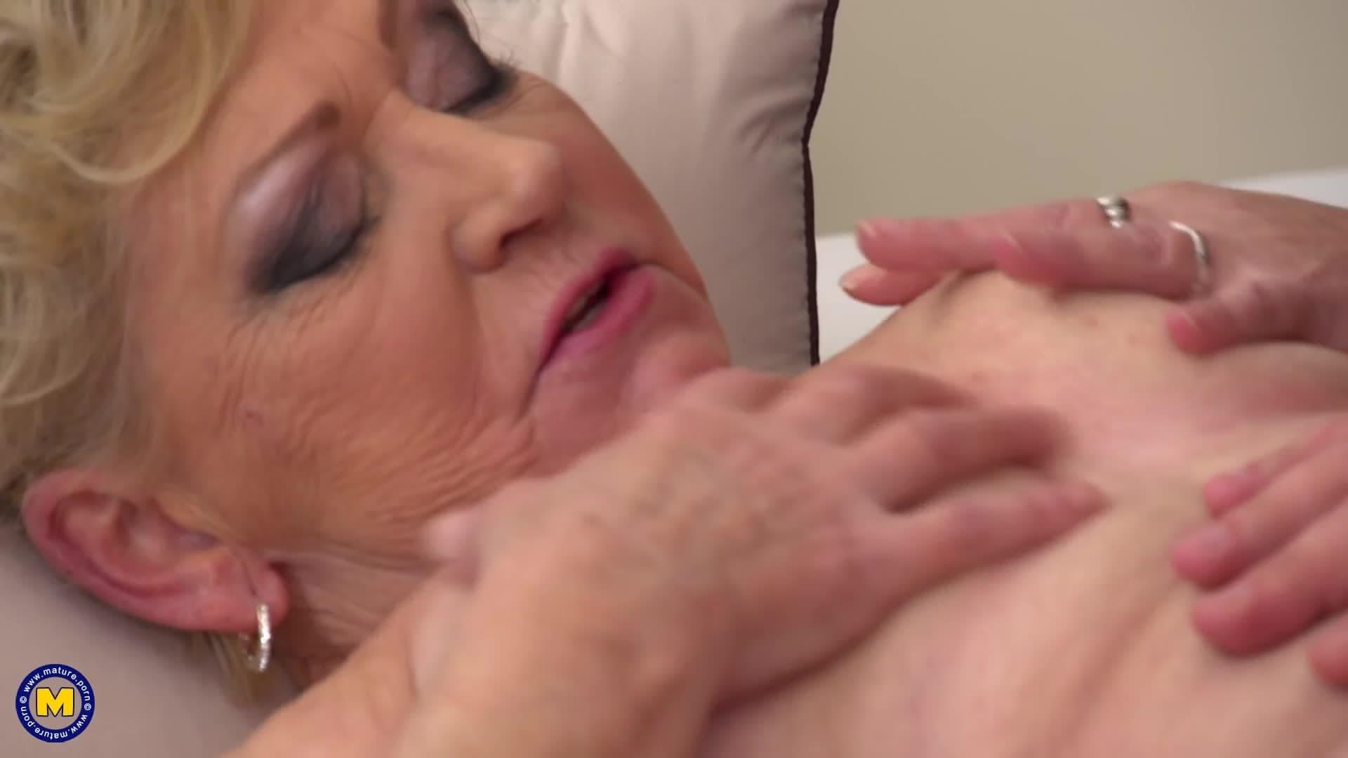 Ancianas Haciendo El Amor esta vieja de 80 años se divertirá como nunca antes en la